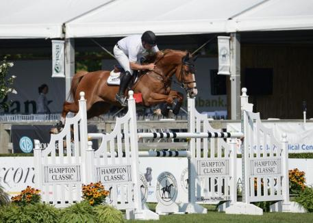 Kyle King won the 0,000 Wölffer Estate Open Jumper 1.40m Speed Class with Andiamo Vh Kapelhof Z © Shawn McMillen