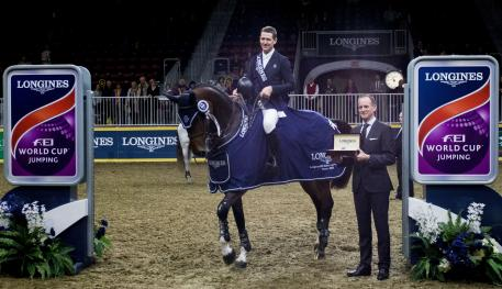 left to right: Mclain Ward (USA) and HH Azur, winners in the qualifier of this exciting league were presented with a Longines watch by Ian Charbonneau, Longines Brand Manager of Canada