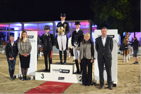 Prizegiving of the WDM Grand Prix Freestyle presented by VIAN GROUP. From left: Isabelle Kettner, Wiesbaden dressage manager, Iuliia Parkhomenko of Vian Group, Valentina Truppa (3rd), Fabienne Lütkemeier (winner), Juliane Brunkhorst (2nd),Katrina Wüst, president of the jury and Camil Smeulders, managing director of World Dressage Masters.