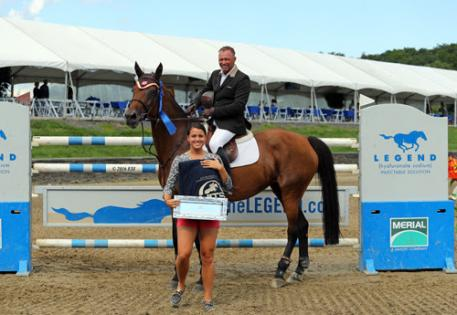 Todd Minikus accepting the award for winning the $75,000 UlcerGuard Grand Prix.