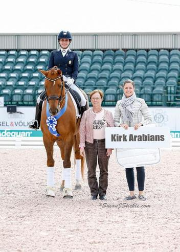 Virginia Yarur Ready and Finn in their presentation ceremony with judge Susanne Baarup and Cora Causemann of AGDF.
