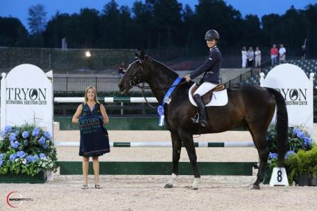 Brandie Holloway and Lucky Strike in their presentation ceremony with Sponsorship Manager Whitney Stahl (Photo: ©Sportfot)