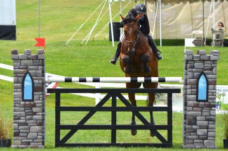 Caitlin Hope and Vision EH. Photo by Chicago Equestrian.
