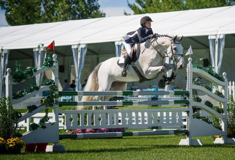 Giavanna Rinaldi won the Show Jumping Hall of Fame Junior/Amateur Jumper Classic. Photo: Andrew Ryback/ChicagoEquestrian