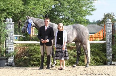 Hunt Tosh receives his blue ribbon for a top ride on Gotham
