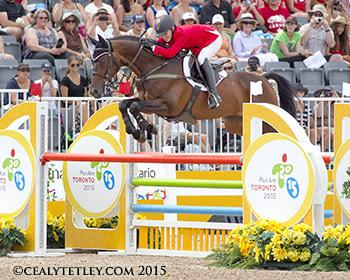 Jessica Phoenix guided Pavarotti, owned by Don J. Good, to a clear show jumping round in the final phase of competition.(Photo © Cealy Tetley)