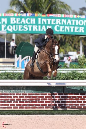 Jodi Vazquez and Friday Night, owned by Telford. Photo by Sportfot