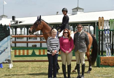 Laura Chapot and ISHD Dual Star receive their awards (Photo: The Book LLC)