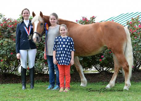 Anna Campbell, Lola the Haflinger and two Academy of Sacred Heart Equestrian Team members (Photo: SusanJStickle.com)