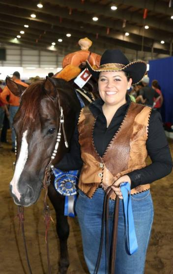 Sarah Locker and Heavy Duty Chex Level 4 Non Pro Classic Champions! Sarah and the 2011 stallion marked a 220 to earn $30,000 and a plethora of prizes from our generous sponsors.