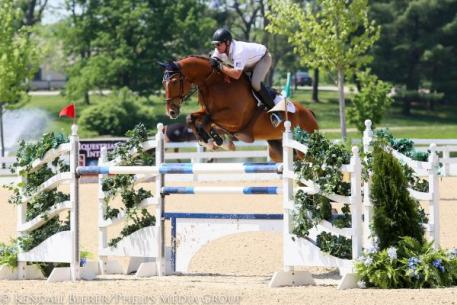 Scott Keach captured the $5,000 1.45m Open Jumper victory with Fedor at the Kentucky Spring Horse Show.