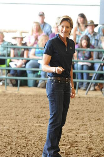 Equestrian sports psychologist Dr. Jenny Susser passes on her knowledge at a clinic