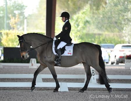 Robyn Andrews (CAN) and Fancianna (Photo: (C) Lindsay Y. McCall)