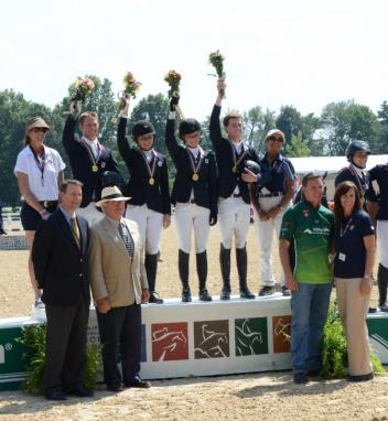 Young Rider Team Zone 3/5 Gold Medalists (left to right): Abby Blankenship, chef d'equipe; Kalvin Dobbs; Meredith Darst; Noel Fauntleroy; Jacob Pope; Sandra Ruiz, chef d'equipe.