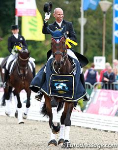 Steffen Peters and Legolas win the Grand Prix at the 2014 CDI Verden (Photo © Astrid Appels)