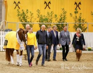 Rhinelander Belissimo M and his team entering the arena for the Hanoverian Stallion of the Year 2018 ceremony. (Photo: © Petra Kerschbaum)