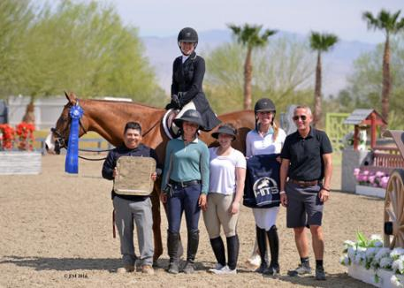 Alexis Taylor-Silvernale and Campari winning the $5,000 Devoucoux Hunter Prix.
