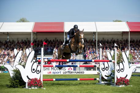 Six time Olympian Andrew Nicholson (NZL) finally wins the coveted Badminton trophy, with Nereo, fourth leg of the FEI Classics™ T, after a record 37 completions.