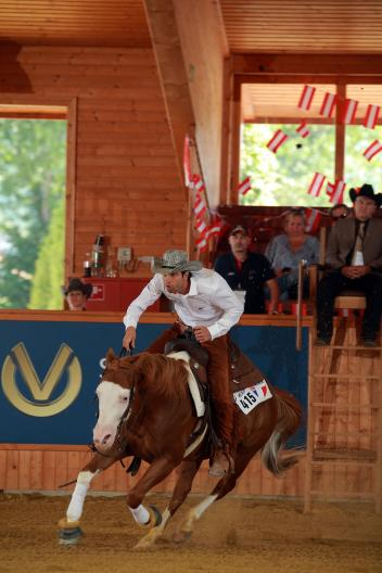 Bastien Bourgeois (FRA) and Gunspinner, gaining one of the top scores in the Consolation. (FEI/Andrea Bonaga)