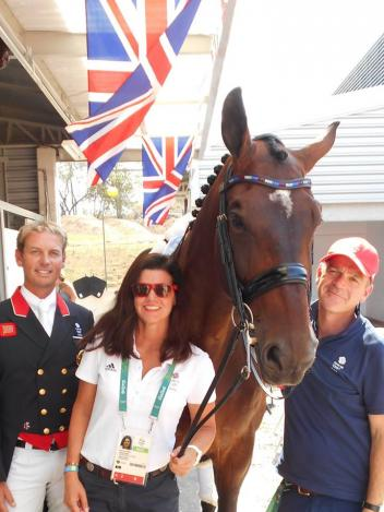 jane and hester Rendering carl hester speechless (views: 17472) by  jane karol and sunshine tour continued the grand prix  carl hester helping jane karol with sunshine tour's.