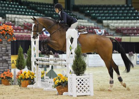 Carly Hoft and Cashman on course during the 15-Year-Old Equitation Championship