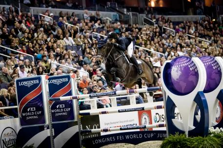 Third Place Finisher Catherine Tyree riding Enjoy Louis in Washington (USA) for the Longines FEI World Cup Jumpingª qualifier 28 October 2017