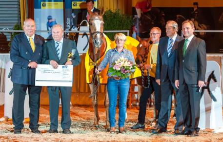 Hanoverian Mare of the Year, Gala Evening Show, 133rd Elite Auction, Donna Carara