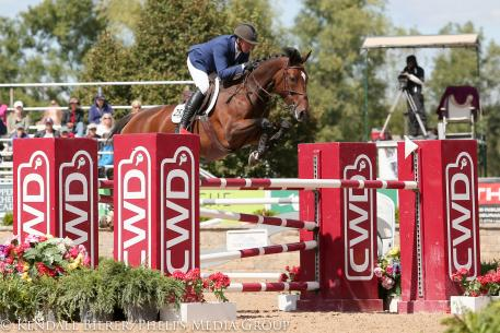 Freddie Vazquez and Esprit De Vie win the $30,000 Showplace Grand Prix at the Showplace Fall Classic Championship.