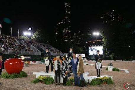 The top riders in their winning presentation with Judge Katrina Wuest, Antonia Ax:son Johnson of Axel Johnson and Mark and Katherine Bellissimo. 2016 Central Park Horse Show