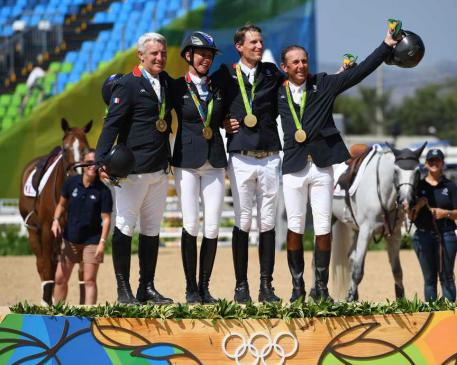 French win Olympic showjumping gold