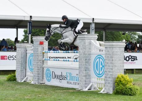 Ireland's Shane Sweetnam with Indra van de Oude Heihoef, winners of the $75,000 Douglas Elliman Grand Prix Qualifier CSI4* presented by Longines. © Shawn McMillen