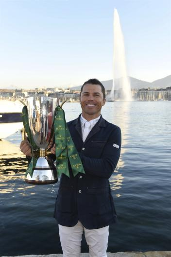 Kent Farrington with the winning Rolex IJRC Top 10 Trophy by the shores of Lake Geneva