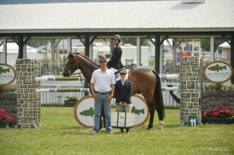 Laura Chapot won the $5,000 Hollow Brook Wealth Management 1.40m Jumper Class on Shooting Star
