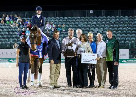 Laura Graves and Verdades in their winning freestyle prize-giving. (Photo: SusanJStickle)