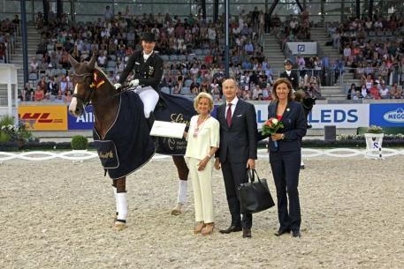 Isabell Werth and Bella Rose take the Lindt Prize at the CHIO Aachen 2018