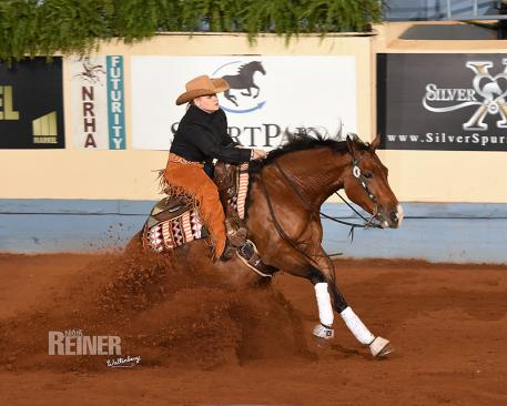 Mandy McCutcheon and Gunner Be Custom (Photo: NRHA Reiner)