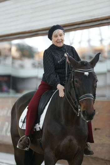 Nina Gromova celebrated her 95th birthday with a gala-comeback once again confirming that equestrian sport has no age restrictions!