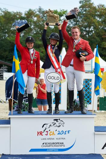 (L to R) Young Rider medallists Kaya Luthi from Germany (silver), Ebba Larsson from Sweden (gold) and Guido Klatte from Germany (bronze) at the FEI European Jumping Championships for Children, Juniors and Young Riders 2015 at Wiener Neustadt, Austria. (FEI/Hervé Bonnaud)