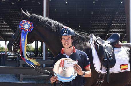 Rodrigo Encinas Fuentes and Van The Man earn the Triple Crown Nutrition Dressage Excellence Award during week ten of the Adequan Global Dressage Festival