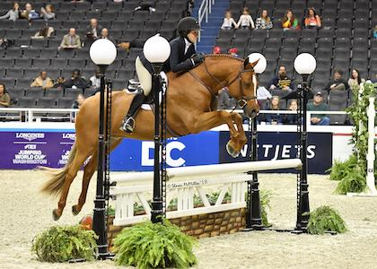 Samantha Takacs of Oldwick, NJ, won the WIHS Pony Equitation Finals riding Storyteller. (Photo: Shawn McMillen Photography)