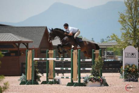 Derek Petersen and Forgiven competing in the $5,000 Suncast® 1.45m Welcome Stake. Photo Credit: Photos ©Sportfot.