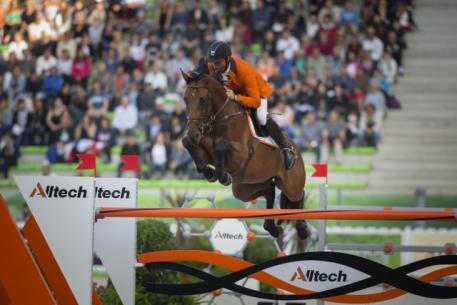 Jeroen Dubbeldam and Zenith SFN produced one of the three clears that promoted the Dutch team to pole position ahead of tomorrow's final round of the team Jumping championship at the Alltech FEI World Equestrian Games™ 2014 in Caen, France today. (Dirk Caremans/FEI)