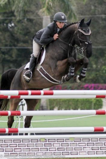 Elizabeth Maloney and Quadrifolio won the $3,000 NAL Junior/Amateur-Owner Classic