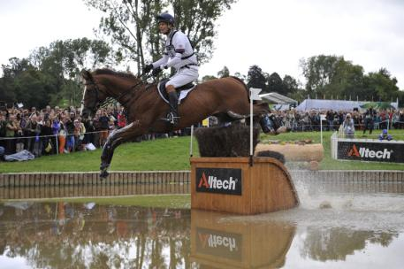 William Fox-Pitt (GBR) and the stallion Chilli Morning take over the individual lead after a superb Cross Country round which puts Great Britain three fences behind overnight leaders Germany in team Eventing at the Alltech FEI World Equestrian Games™ 2014 in Normandy (Trevor Holt/FEI)