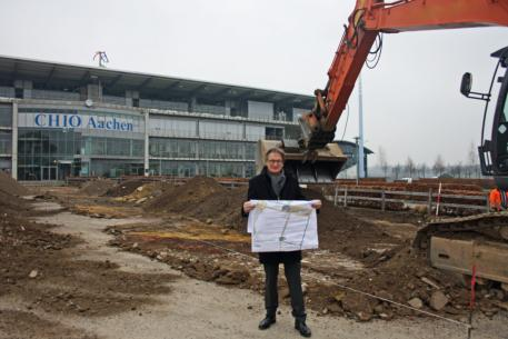 Show Director and Chairman of the Aachen-Laurensberger Rennverein e.V. Frank Kemperman at the building site in front of the offices of the CHIO Aachen.