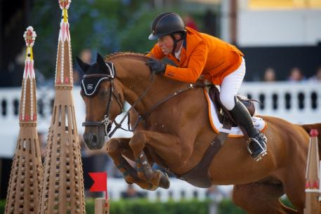 Two million people connected around the world for the FEI's #SupportYourNation social media competition during last week's Furusiyya FEI Nations Cup™ Jumping Final in Barcelona (ESP), where Gerco Schröder and Glock's London were part of the triumphant Dutch team. (Photo: Arnd Bronkhorst/FEI)