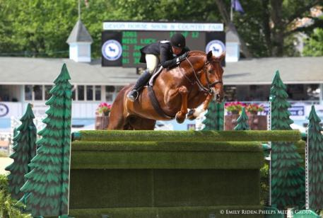 Jennifer Alfano and Miss Lucy captured the second place during the $25,000 USHJA International Hunter Derby at the 2015 Devon Horse Show.