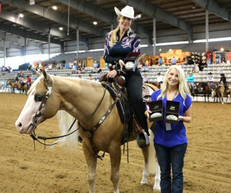 Nu Pops was the high-scoring registered Paint Horse in Levels 1-3 of the Non Pro Classic Finals. He and his rider, Julie Ridgeway, were presented with three custom Gist Silversmiths buckles from Official American Paint Horse Association Director of Business Development Kalyn Sanders