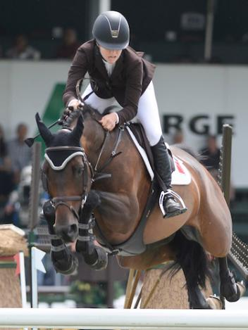 Kara Chad and Star la Tuiliere (Photo: Spruce Meadows Media)