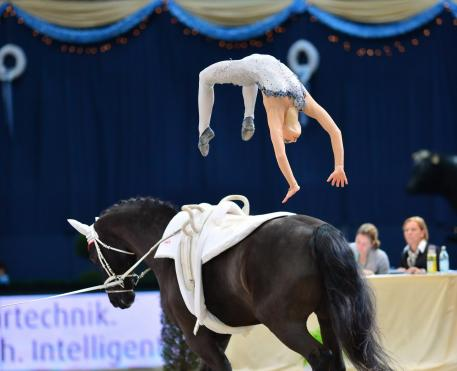 Lisa Wild (AUT) - famous backflip on Robin © Daniel Kaiser/FEI
